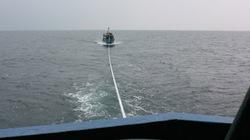 Nhiều tàu thuyền bị sóng đánh chìm, hư hỏng, 2 người chết và mất tích