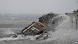 Siêu bão công phá, Philippines đặt trong tình trạng thời chiến