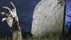 """Đi thăm mộ, hoảng hồn thấy """"xác chết"""" vẫy tay"""