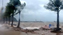 Bão đang vào Quảng Ninh, sóng biển nổi cuồn cuộn