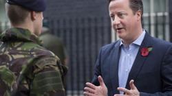"""Thủ tướng Anh phẫn nộ vì bị chế """"hoàn toàn dốt nát"""""""
