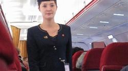 """Nữ tiếp viên hàng không Triều Tiên """"bỗng dưng"""" gợi cảm khó tin"""