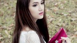 """Trong trắng, ngây thơ như """"nữ sinh"""" Hương Giang Idol"""