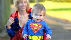 Cậu bé thần đồng phát triển siêu nhanh sau khi chào đời