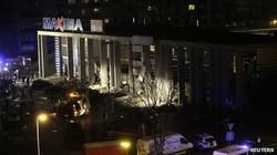 Tai nạn kinh hoàng khi mái nhà siêu thị bất ngờ đổ sập