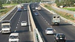 Một người chạy lạc vào đường cao tốc TPHCM - Trung Lương tự gây tai nạn