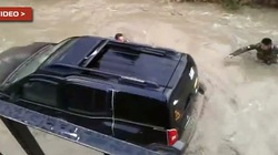 Hai người lính trẻ chết đuối vì cố cứu xe riêng của thủ trưởng