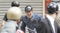 """Nhà báo vào vai """"hiệp sĩ"""" bắt cướp trên phố"""