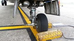 Máy bay ATR72 rơi lốp có thể do vật tư, phụ tùng không đúng quy cách