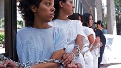 Kỳ dị đất nước phụ nữ phải vào tù vì... sảy thai