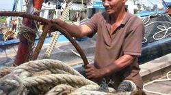 Các tỉnh miền Trung: Tàu cá nằm bờ, ngư dân khốn khó