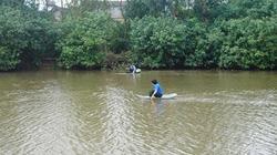Đi đánh cá thấy thi thể nữ lờ đờ trên sông