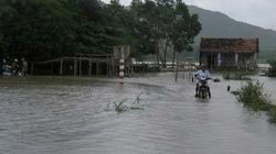 Dân Phú Yên tiếp tục khốn khổ chạy lũ