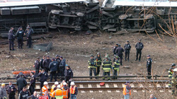 Mỹ: Ngay sau lễ Tạ ơn, tàu hỏa văng khỏi đường ray