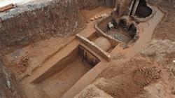 Đi trộm mộ cổ bị mắc kẹt hy hữu