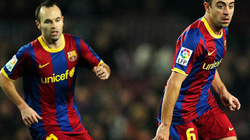 """Barcelona nổi sóng: Xavi và Iniesta """"bật"""" HLV Martino"""