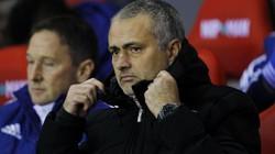 Thắng kịch tính, Mourinho vẫn không hài lòng