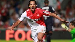 Falcao và số tiền 100 triệu euro khiến Chelsea choáng váng