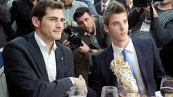 Tìm người thay Casillas, Real nhắm thủ môn M.U