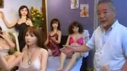 Từ Trung Quốc sang Nhật Bản - Cường quốc của...búp bê tình dục