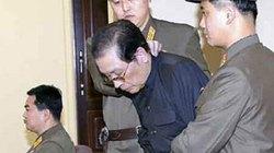 """Chú của Kim Jong-un mang tội """"kẻ phản bội của mọi thế hệ"""""""