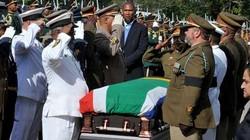 Hàng nghìn người tiễn ông Nelson Mandela về nơi an nghỉ cuối cùng
