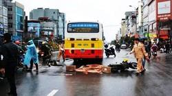 Hà Nội: Xe buýt tông chết một thai phụ