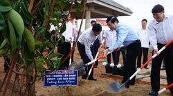 Chủ tịch nước thăm người dân vùng động đất