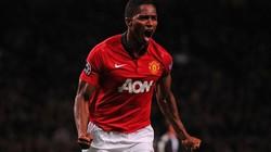 """Đá lên chân, Valencia sắp được M.U """"thưởng nóng"""""""