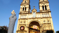 Vẻ đẹp các nhà thờ trong Giáng sinh ở Hà Nội