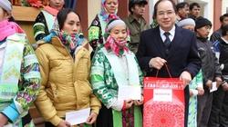 Cao Bằng: Ban Chỉ đạo Tây Bắc tặng quà hộ nghèo