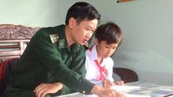 Hà Tĩnh: Bộ đội Biên phòng đỡ đầu học sinh khó khăn