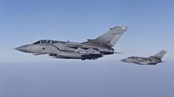 SỐC: Không quân Iraq tiếp tế nhầm cho chiến binh IS