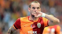 """Điểm tin sáng 2.10: Lộ lý do Sneijder cự tuyệt M.U, Arsenal sắp có tiền vệ """"2 vợ, 1 bồ"""""""