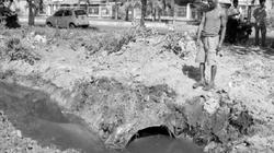 """Khu công nghiệp Suối Dầu, Khánh Hòa: Dân """"khai quật"""" đường ống xả thải bí mật"""