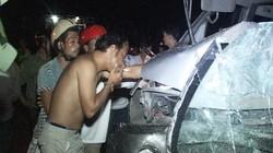 Ô tô biển số Lào tông xe máy, 7 người thương vong