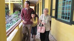 Chuyện bà giáo 82 tuổi và lớp học độc nhất vô nhị giữa Thủ đô