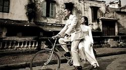 """Ầm ĩ chuyện Thư viện Hà Nội lấy ảnh """"bịa"""" thêm 40 năm tuổi trên mạng để triển lãm"""