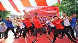 Sinh viên nhảy vận động vì người nghèo