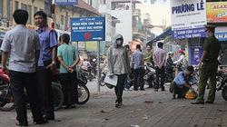 Hà Nội: 2 lái xe ôm cãi vã, 1 người bị đâm chết