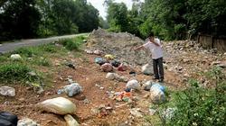 Ruồi nhặng bãi thải bủa vây người dân