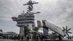 Chùm ảnh máy bay Mỹ cất cánh trên Biển Đông