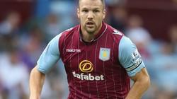 "Aston Villa ""bật đèn xanh"" cho M.U mua Ron Vlaar"