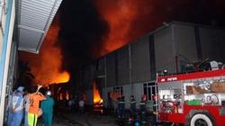 Hà Nội: Cháy dữ dội tại Khu công nghiệp Quang Minh