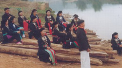Già làng đau đáu gìn giữ tiếng nói dân tộc mình