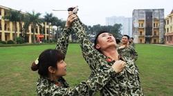 """Cận cảnh các """"nữ chiến binh"""" của Đặc công Việt Nam phô diễn tuyệt nghệ"""