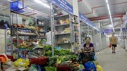 """""""Chợ quê"""" dưới cao ốc 25 tầng: Sạch đẹp vẫn lo vắng khách"""