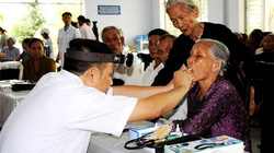 Gần 70.000 người dân vùng khó khăn được khám bệnh miễn phí