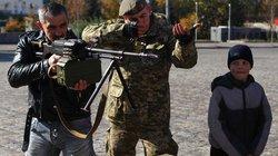 Ukraine phát hiện vũ khí nóng tại nơi bỏ phiếu