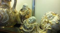 Đồ gốm vẽ vàng ròng - thú chơi đắt đỏ của nhà giàu Hà Nội